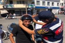 ORTACA'DA JANDARMADAN MOTOR SÜRÜCÜLERİNE CEZA YERİNE  KASK