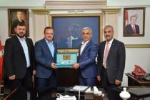 AK Partili Öz Başkan Karakuş'u  Ziyaret Etti