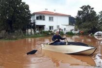 Datça'da Su Baskını: Evine Kayıkla Girebildi!
