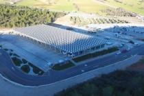 Güneş Enerjisi ile Tükettiğinin İki Katı Üretiyor