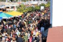 Bodrum'da 1 Kilometrelik Hamsi Kuyruğu