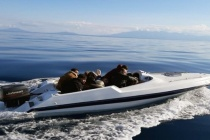 Sürat Teknesiyle Kaçmaya Çalıştılar!