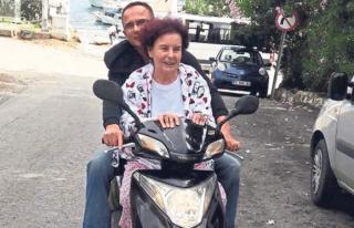 FATMA GİRİK BODRUM SOKAKLARINI MOTOSİKLETLE TURLADI