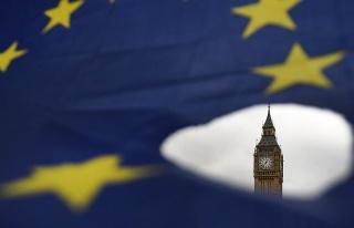İngiliz parlamentosu Brexit seçeneklerini eledi