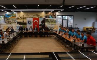 SEYDİKEMER BELEDİYESPOR İÇİN 'BİRLİK BERABERLİK' YEMEĞİ