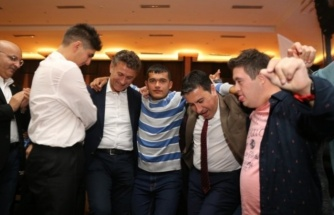 Bodrum Belediye Başkanı Aras Engellilerle Halay Çekti