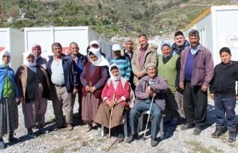 Zeytinköy Sakinleri Yangında Kaybettikleri Evlerine Kavuşuyor