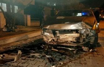 Alkollü Şahıs Önce Motosiklete Sonra Otomobile Çarptı