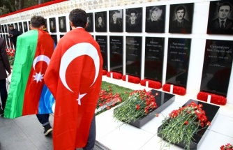 """Azerbaycan'da """"Kanlı Ocak"""" Şehitleri Anılıyor"""
