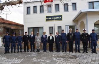 Vali Civelek Sahil Güvenlik Komutanlığı'nda İncelemelerde Bulundu