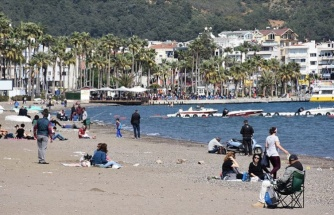 Vatandaşlar Sıcak Havanın Keyfini Sahillerde Çıkardı