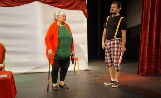 Marmaris'te Çocukların Karne Hediyesi Tiyatro!