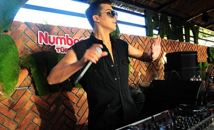 ICON BEACH CLUB MARMARİS'TE SAHNE DJ KERİMCAN DURMAZ'IN
